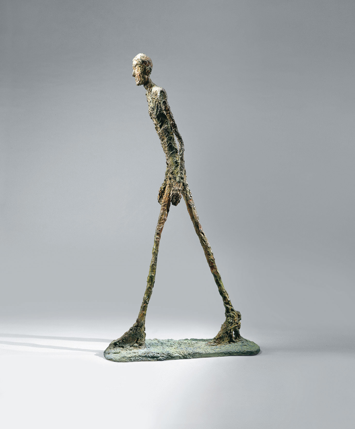 Alberto Giacometti, L'homme qui marche I (L'uomo che cammina I), 1960, bronzo, cm 183 x 26 x 95,5. Saint-Paul-de-Vence, Fondation Marguerite et Aimé Maeght ©Claude Germain - Archives Fondation Maeght (France) © Alberto Giacometti Estate / by Siae in Italy 2019