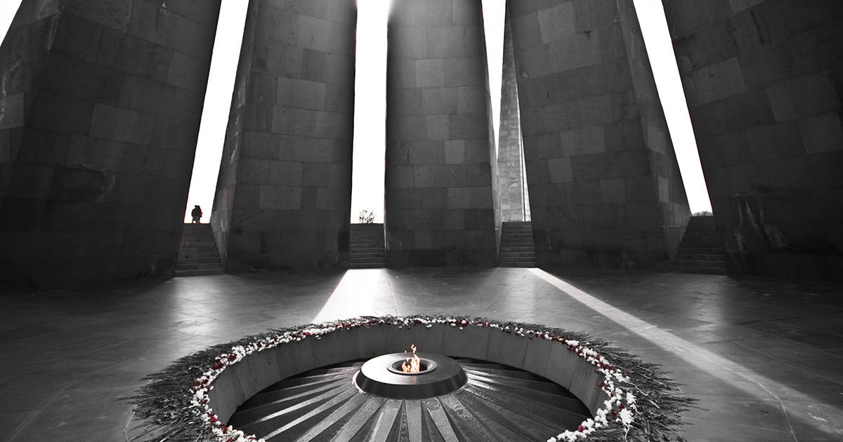 Il memoriale del genocidio armeno a Erevan. Foto: z@doune (Flickr)