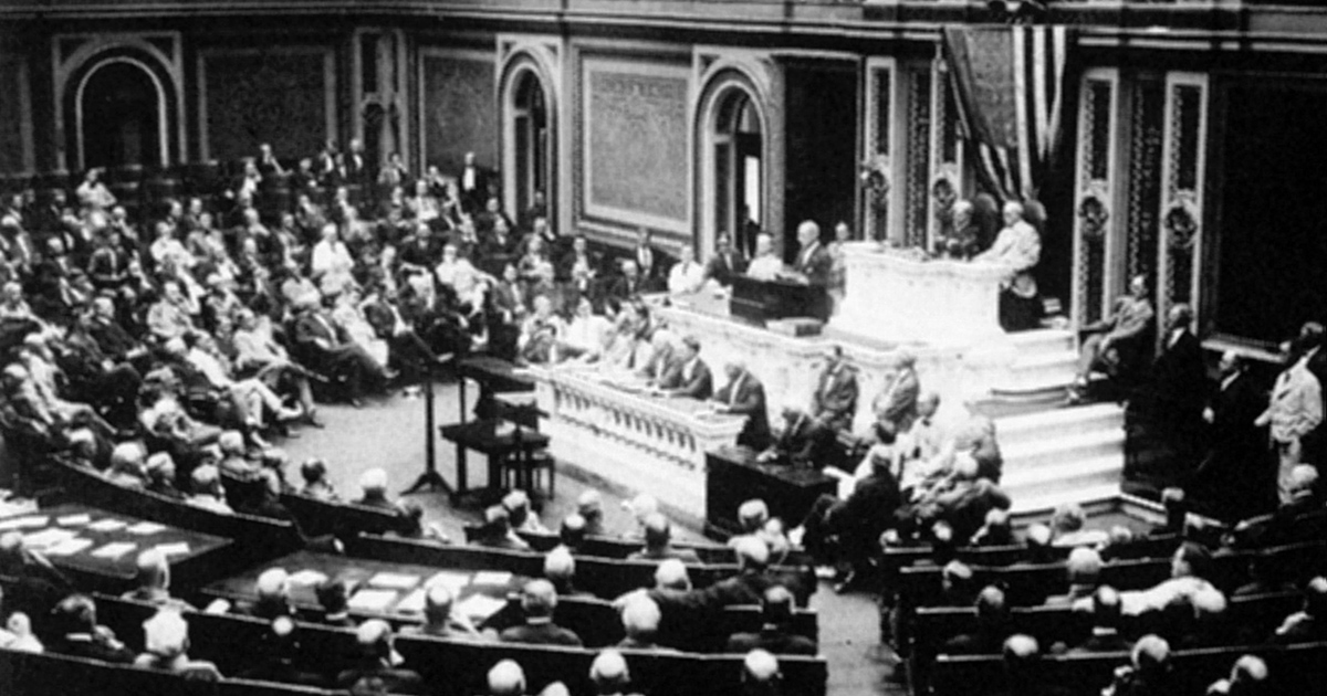1917 : Thomas Woodrow WILSON ( 1856 Ð 1924 ), 28th President of the United States before Congress, announcing the break in the official relations with Germany. Foto: Contrasto