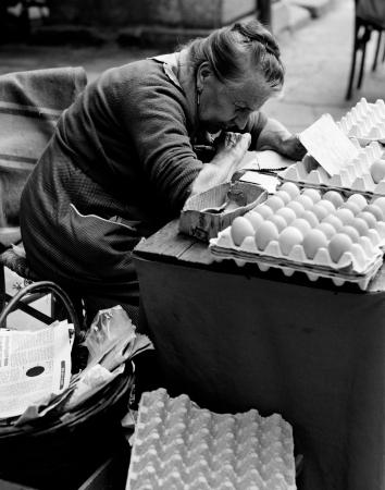 donna delle uova